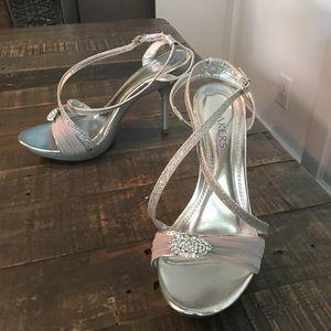 Bakers 'Skye' Heels Wedding Shoes Prom Size 8 EUC